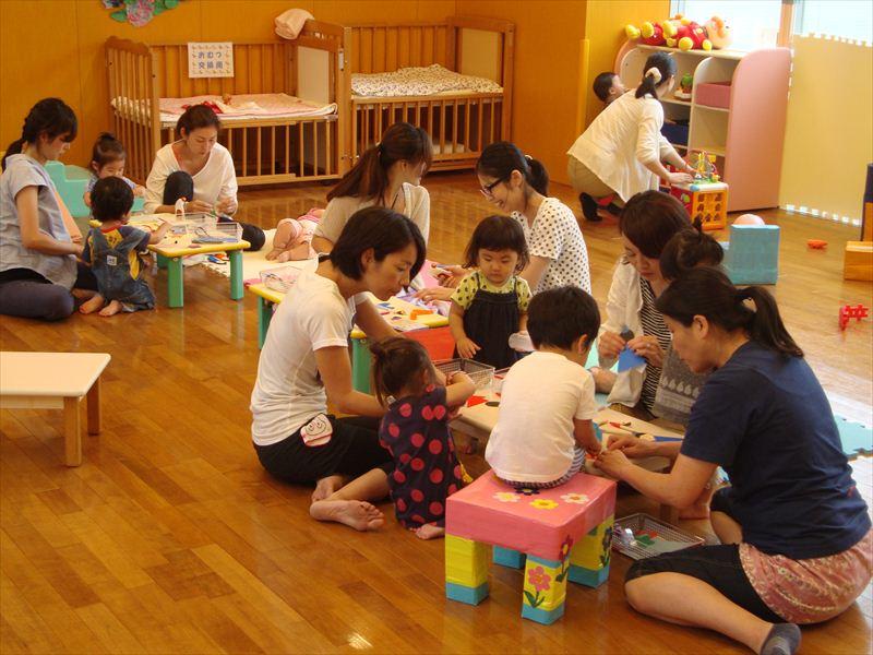 6月24日交流ひろば催し物「七夕飾り作り」