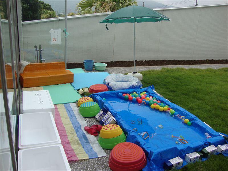 子ども家庭支援センター お知らせ「中庭で水遊び」を行います!