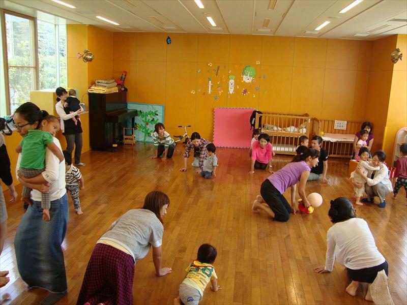 子ども家庭支援センター 10/14催し「ふれあいリズム遊び」